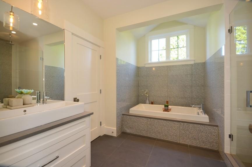 Bathroom tile (2).JPG