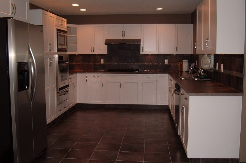 Renovation kitchen tile (2).JPG